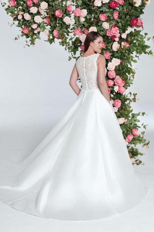 1136__FB_Sweetheart-Gowns.jpeg