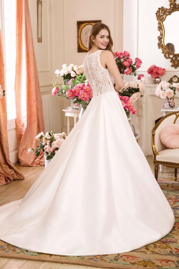1136_FB_Sweetheart-Gowns.jpeg